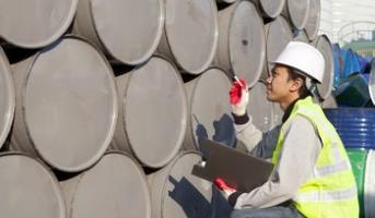 Stocks de pétrole : la production atteint de nouveaux records aux USA