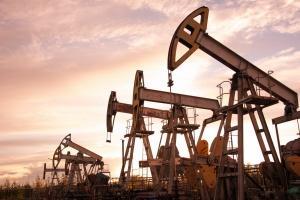 Baisse des prix du pétrole et répercussions politiques