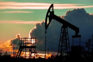 Prix du pétrole au plus bas : pourquoi cette baisse ?
