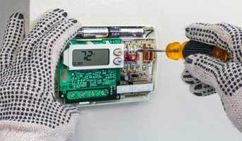 Comment poser et brancher un thermostat d'ambiance ?
